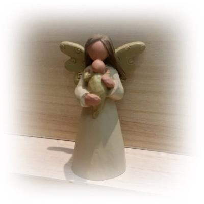 Barn angel wings child