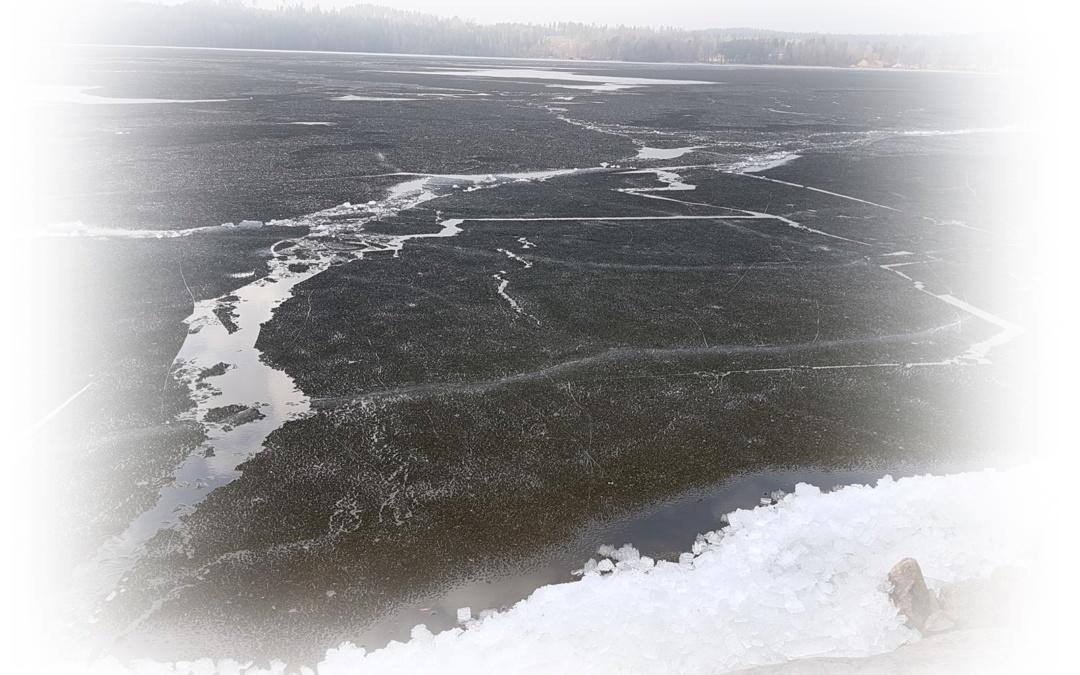 Isen flyter iväg