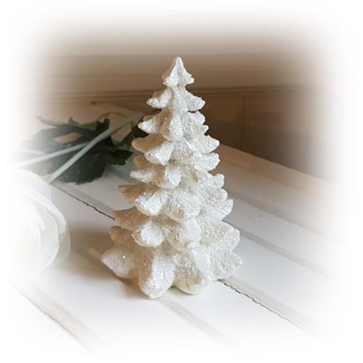 glittrig och vit julgran