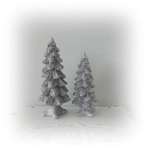 Granar glittriga och fina för juldekorationen..