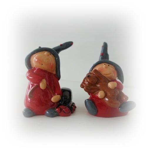 Tomtebarn med leksak